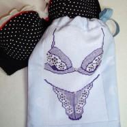 Торбинка для білизни декорована вишивкою